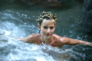 woman-skinny-dip